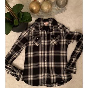 Mossimo small size ladies shirt